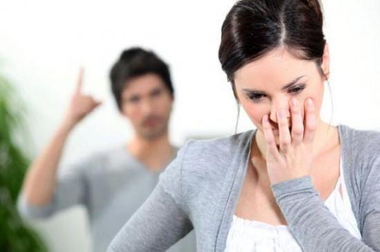 5 Sinais de que você vive um Relacionamento Abusivo